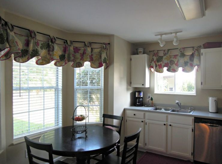 country-kitchen-valances