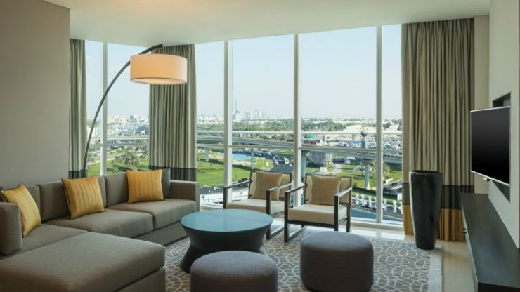 living-room-three-bedroom-apartment-hotel-dubai-1