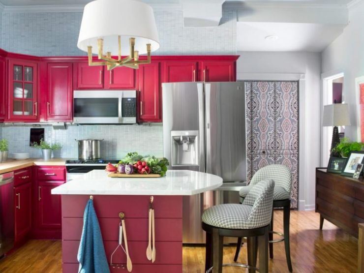 original_bpf_fall-house_bold-transitional-kitchen-makeover_coordinating-space-jpg-rend_-hgtvcom-1280-960