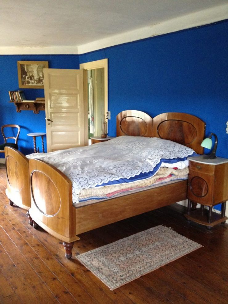 blue_bedroom_-7530077032