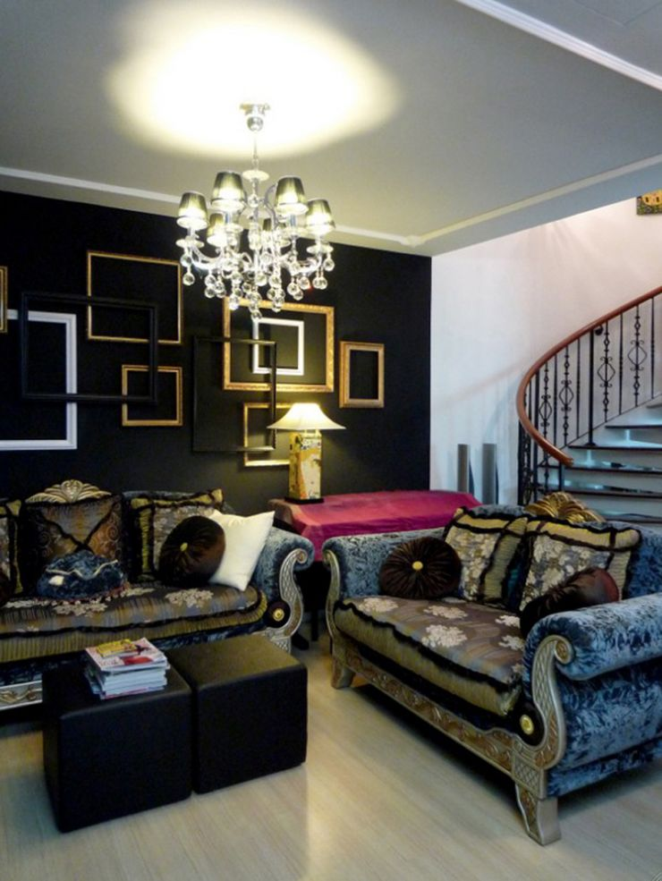 the-guest-room-comes-with-classic-and-gothic-interior-design1